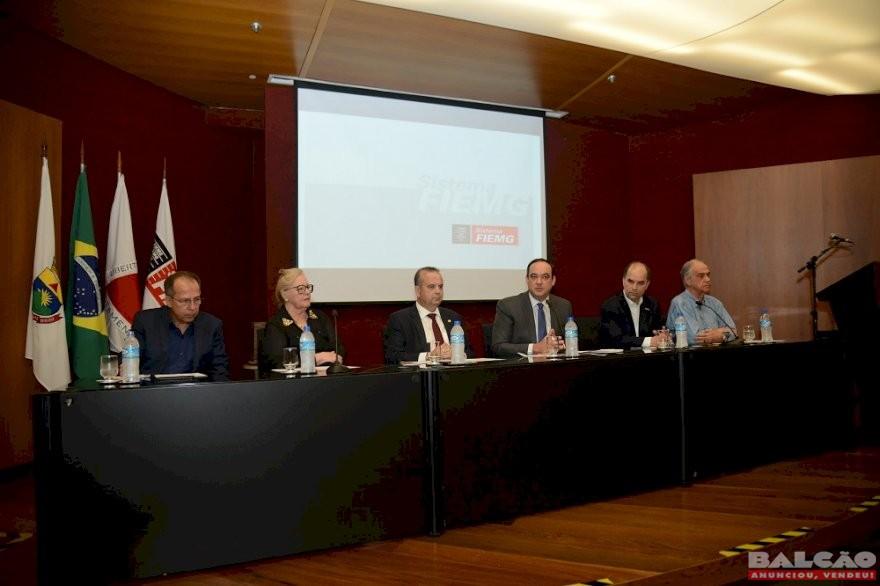 Modernização das relações trabalhistas em pauta na FIEMG