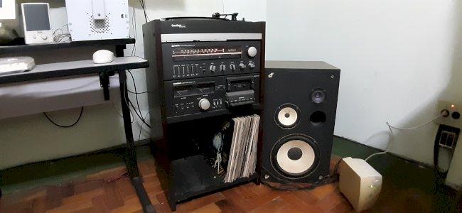 Amplicador de som Gradiente System 126 com caixas e pickup