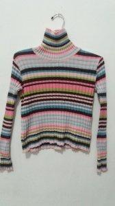 Blusa de linha listrada multicolorida charmosa