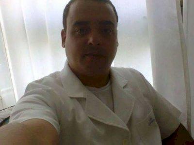 Cuidador de Idosos Enfermagem com Dedicação