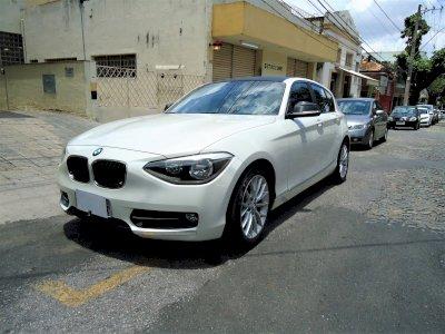 BMW 118i Sport Line 1.6 Turbo Ano 2012 impecável de nova e com apenas 29.505 km