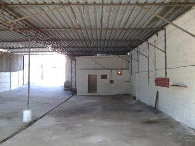 Alugo Galpão 400 m² no Centro de Santa Luzia