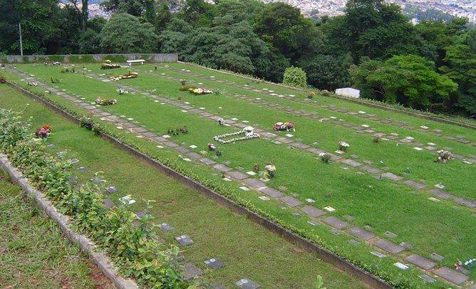 Jazigo no Cemitério Parque Jaraguá