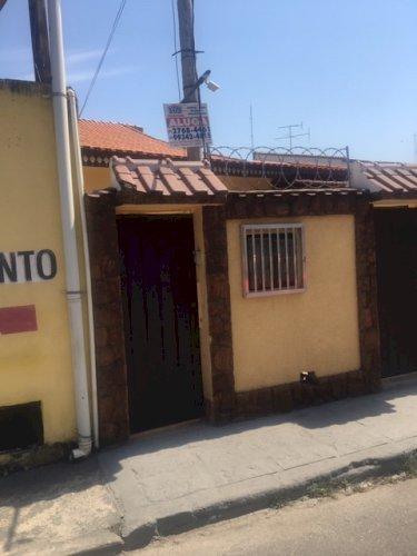 ALUGO CASA NO CENTRO DE NOVA IGUAÇU