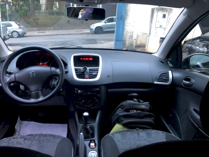 Peugeot 207 Passion XR Ano 2011 Pneus novos Completo Único Dono