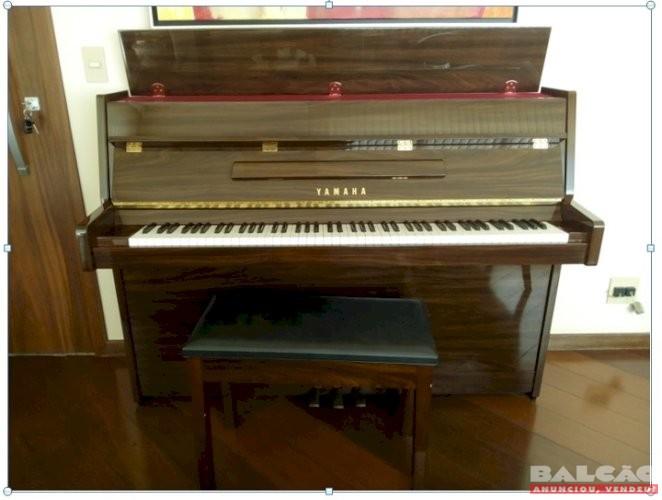Piano Yamaha vertical Modelo LU 90 PW Pouquíssimo uso