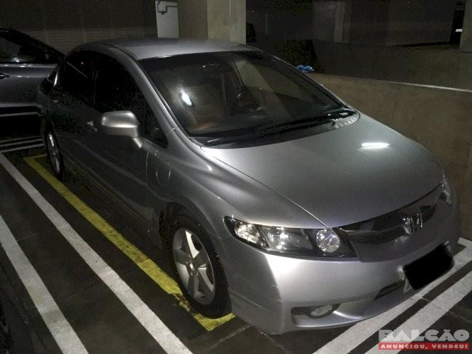 Honda Civic LXS Ano 2009/2010 ótimo carro revisões na concessionária Banzai