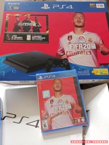 PS4 Slim 1Tb + FIFA20 + 2 controles