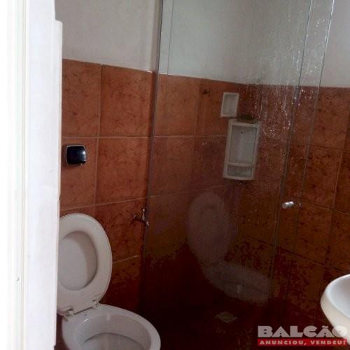 Alugo Kitnet Quarto/Sala grande Bairro Letícia