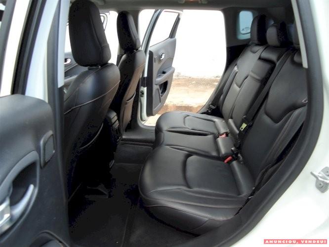 Jeep Compass Longitude 2.0 Flex Ano 2018 Único dono revisado na garantia Sem detalhe